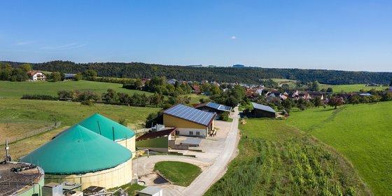 Foto: Photovoltaik- und Biogasanlagen in Mauenheim, © Plattform EE BW / Kuhnle & Knödler