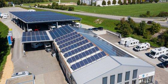 Foto: Photovoltaikanlagen in Deißlingen bei Villingen-Schwenningen, © Plattform EE BW / Kuhnle & Knödler